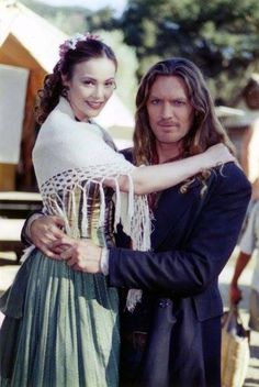 Hank (William Shockley) and Emma (Charlotte Chatton)