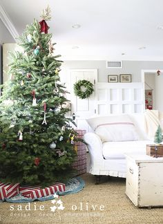 Simple and pretty Christmas decorating