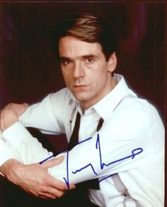 JEREMY IRONS (1948): British actor, winner of the Tony, Oscar, Golden Globe, SAG and Emmy awards, Best filmes: The French Lieutenant's Woman (1981), The Mission (1986), Reversal of Fortune (1990), the House of the Spirits (1993), Die Hard: With a Vengeance (1995), the Man in the Iron Mask (1998), Night Train to Lisbon (2013). On television he has appeared in Brideshead Revisited (1981), Elizabeth I (2007) and more recently the TV series The Borgias (2011-2013).