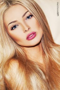 Everything about this look is perfect! Love the hair love the lips and the lashes!! www.myzkin.nl www.zkinshop.nl