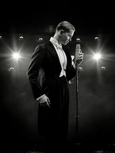Max Raabe.  http://www.tuesdaymusical.org