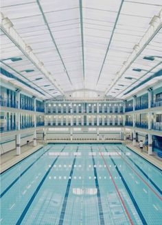 Révisez vos nuances de #bleu à la #piscine Pontoise, à #Paris !