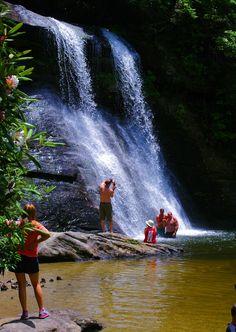 Silver Run Falls, Nantahala National Forest swimming hole in the North Carolina mountains Vacation Places, Vacation Spots, Places To Travel, Places To See, Vacation Ideas, Nc Waterfalls, Beautiful Waterfalls, Nc Mountains, North Carolina Mountains