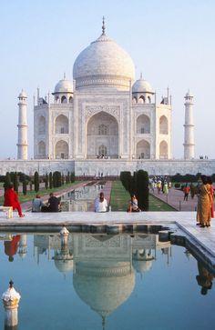 Taj mahal, agra in 2019 india тадж-махал, индия Taj Mahal, History Of India, Indian Heritage, Islamic Architecture, Famous Landmarks, Agra, Incredible India, Wonders Of The World, Beautiful Places