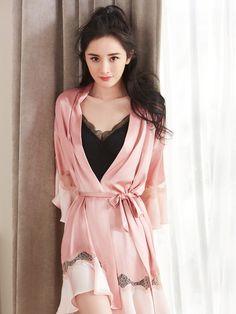 10 Most Beautiful Women, Beautiful Chinese Girl, Cute Japanese Girl, Lingerie Outfits, Women Lingerie, Night Dress For Women, Beautiful Lingerie, Sexy Asian Girls, Asian Woman