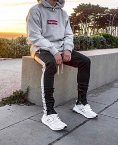 Coolstes Casual-Outfit für Teenager im Trend - Fashion Outfits Trend Fashion, Fashion Mode, Fashion Outfits, Men's Outfits, Hoodie Outfit, Teenager Outfits, Hypebeast Outfit, Supreme Hoodie, Casual Outfits For Teens