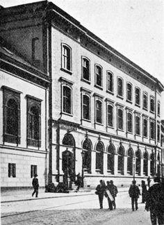 Bergens Kreditbank Bankbygningen er oppført i 1876. Dato: Ukjent  Foto/Kilde: Fra boken Turistforeningen for Bergen by og amt 1907