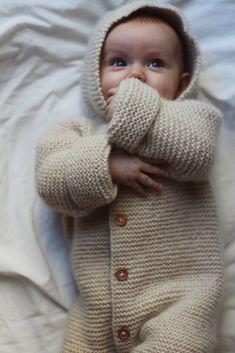 Work Tops, Fingerless Gloves, Baby Knitting, Arm Warmers, Knitting Patterns, Ravelry, Sleep, Suits, Instagram Posts