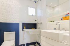Kid´s bathroom Projeto Luni Arquitetura Contato para projetos: projetos@luniarquitetura.com.br (11) 4106-7656