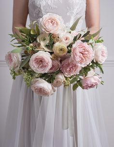 Pink wedding bouquet with garden roses 12 Breath-Taking Bridal Bouquets Featuring David Austin Roses