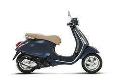 Vespa Primavera - Vipscooters.nl Vespa Primavera Blue Midnight - Vipscooters.nl Vespa Primavera Blauw - Vipscooters.nl Vespa Primavera Donker Blauw - Vipscooters.nl