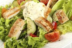 If you're looking for a filling and healthy lunch or dinner, try this herbed chicken salad recipe. Chicken Salad Recipes, Healthy Salad Recipes, Lunch Recipes, Salad Chicken, Sauce Tartare, Grilled Vegetables, Mediterranean Recipes, Meals For Two, Snack