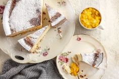 Perinteinen rahkapiirakka on pääsiäisen paras leipomus Feta, Camembert Cheese, Dairy, Sweets, Ethnic Recipes, Easter, Gummi Candy, Candy, Easter Activities
