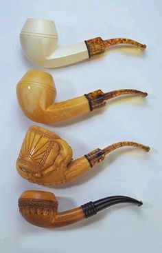 As it ages, meerschaum colors to a rich honey-brown, improving both in appearance and taste.