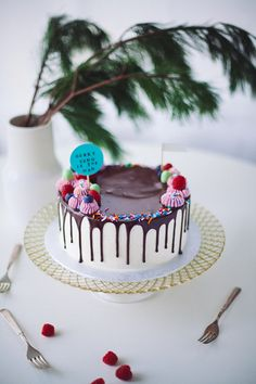 ganache drip cake - Coco Cake Land