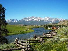 Stanley Idaho, Sawtooth mountains