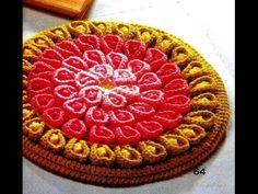Яркие, потрясающей красоты коврики японских мастериц. Переплетение косичек создает оригинальный рисунок коврика. Картинки из интернета. коврики своими руками...