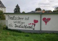 Knutschen ist wichtiger als Deutschland!