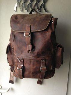 Siehe Bild. Großer Rucksack der Marke Fossil. Unbenutzt. NP 159 €.