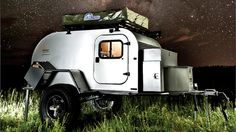 Jeep is synonymous with off-roading, add a camper to the mix and you have one hell-of-a expedition vehicle. The Jeep Action Camper by Thaler Design is one versatile sweet-looking camper that is sur… Bug Out Trailer, Off Road Trailer, Off Road Camper, Trailer Plans, Trailer Tent, Box Trailer, Camping Ideas, Go Camping, Camping Photo