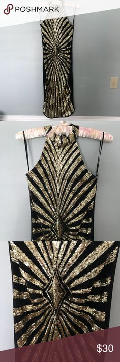 ✨ Gold Sequin Holiday Dress ✨ Gorgeous form fitting dress, it's a great strong material, perfect for a holiday party. A'GACI Dresses