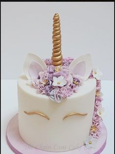 A trendy cake for birthdays, or even weddings! Very fun and beautiful. A lovely unicorn cake!