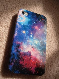 DIY galaxy phone case. Nailpolish, sponge and a white paint pen!