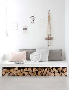Seating and firewood storage combined to save space in a modern Nordic living room. Interior Pastel, Interior Styling, Interior Decorating, Interior Design, Gravity Home, Scandinavian Interior, Home And Living, Nordic Living, Interior Inspiration