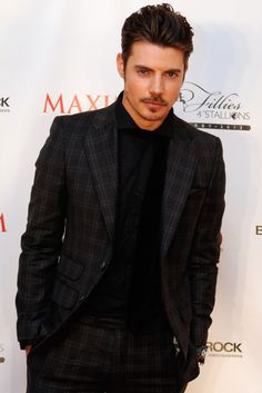 Dapper is the way to go for Josh Henderson.