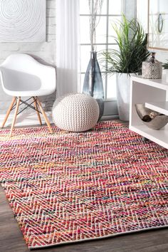 GrovetownAG01 Hand Woven Candy Striped Chevron Rug