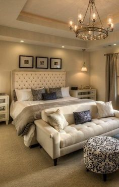 Inspiring Small Master Bedroom Decor Ideas and Remodel bedroom ideas Inspiring Small Master Bedroom Decor Ideas and Remodel Small Master Bedroom, Farmhouse Master Bedroom, Master Bedroom Design, Home Decor Bedroom, Modern Bedroom, Bedroom Designs, Bedroom Furniture, Warm Bedroom, Bedroom Ideas Master For Couples