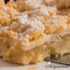 Streuselkuchen Rezept mit Apfel, Zimt, Vanille und einer Baiserschicht. Super leckere Streuseln, die noch am nächsten Tag knusprig sind.