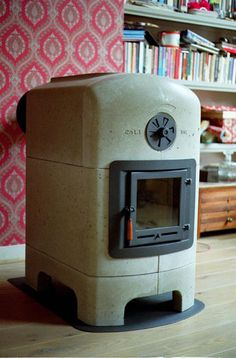 Dick van Hoff Stonestove made of concrete