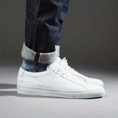 Classic White sneaks
