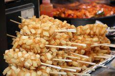nomellamesfriki: Patatas rellenas de perrito caliente… Allá voy, colesterol