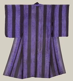 Mid-Showa (1940-1960). A 'ro' (gauze) hitoe (unlined) summer kimono featuring vertical alternating bands of black and shibori-dyed purple bands.