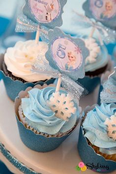 Monica M's Birthday / Frozen (Disney) - Photo Gallery at Catch My Party Frozen Themed Birthday Party, Elsa Birthday, Disney Birthday, 2nd Birthday Parties, Winter Birthday, Birthday Ideas, Cupcakes Frozen, Bolo Frozen, Frozen Cake
