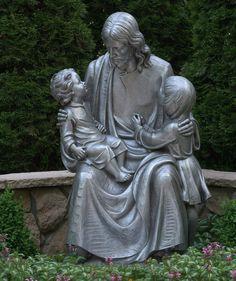 Charmant Statues Of Jesus