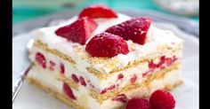Strawberry Cheesecake Icebox Cake - a completely no-bake dessert that's so easy to assemble and perfect for potlucks, barbecues & any summer cookout or party! A reader favorite that only requires 5 in (Baking Desserts Strawberry) Desserts For A Crowd, No Bake Desserts, Easy Desserts, Delicious Desserts, Dessert Recipes, Potluck Desserts, Apple Desserts, Recipes For Potluck, Dessert For Bbq