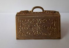 Avery Antique Needle Case - Carpet Bag
