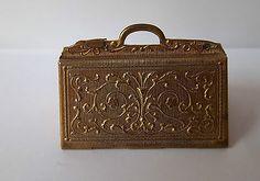Avery Antique Needle Case - Carpet Bag