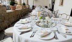 Montaje de boda en el claustro de Palacio de Montarco