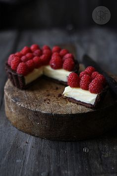 Chocolate tart with mascarpone and raspberries.