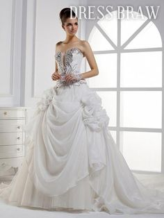 Beautiful & Classy Masquerade Ball Gown/Wedding Dress!