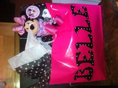 Minnie Mouse birthday wrapping