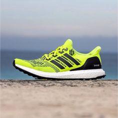 sneakers for cheap 183df a4bde adidas Ultra Boost Volt Rotolamento, Scarpe Adidas, Istruttori, Scarpe  Eleganti, Tennis