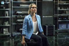 "Felicity is so pretty. #Arrow #Season4 #4x12 ""Unchained"" Promotional Photos"