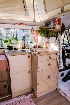Elma, der Innenausbau: Vorher - Nachher — luna lene Vw T3 Westfalia, Camper Life, Vw Bus, Van Life, Motorhome, Vans, Interior, Ideas, Old Furniture