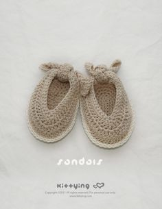 Baby Sandals Crochet PATTERN by kittying.com from mulu.us | This pattern includes sizes for 0 - 12 months.