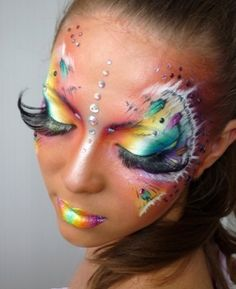 Incredible Makeup! Could be an awesome Halloween costume!